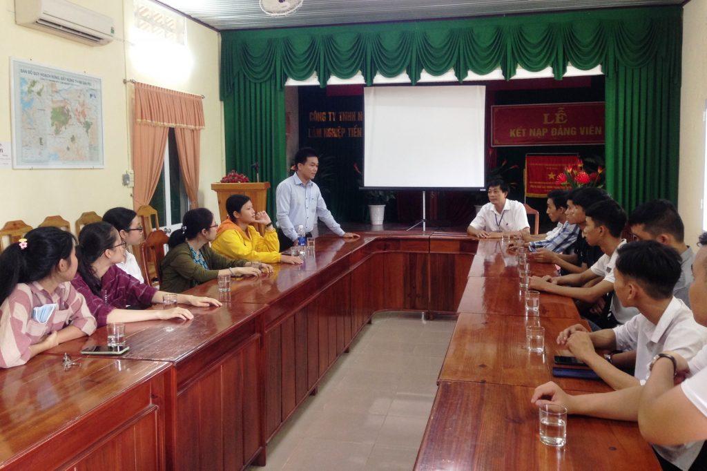 ThS. Nguyễn Đăng Nhật phát biểu tại buổi làm việc với Công ty Lâm nghiệp Tiền Phong