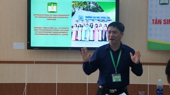 PGS.TS. Lê Đình Phùng- Phó Hiệu trưởng trường ĐHNL phát biểu tại chương trình trao đổi