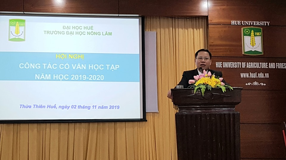 PGS.TS. Trần Thanh Đức - Phó Hiệu trưởng phát biểu tại Hội nghị