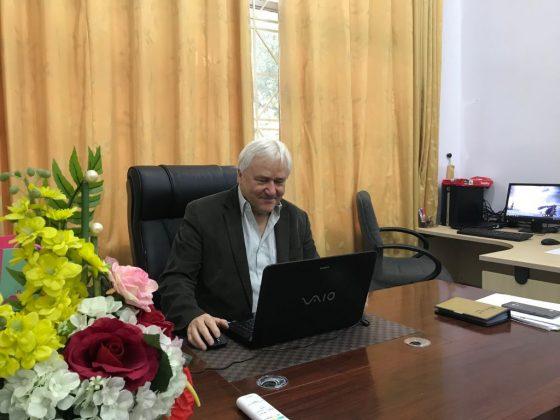 GS. Michael Henry Boehme, Khoa Khoa học Sự sống, Đại học Humboldt Berlin, Cộng hòa Liên bang Đức (Humboldt University of Berlin) tham gia giảng dạy và nghiên cứu tại trường ĐHNL trong chương trình trao đổi học giả của Cơ quan trao đổi hàn lâm Đức (DAAD)
