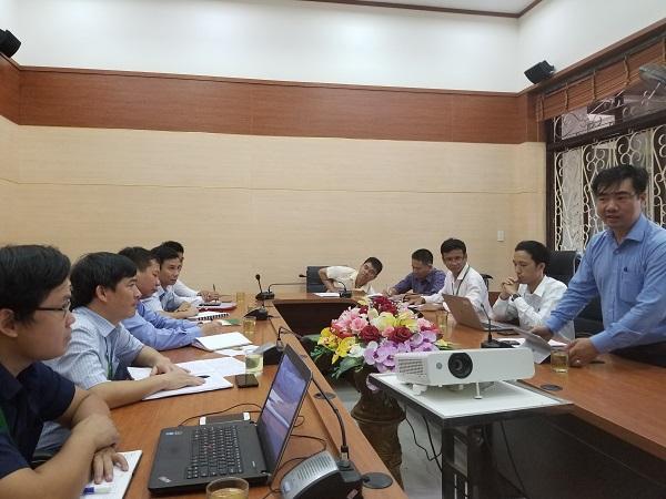 TS. Cung Trọng Cường - Viện trưởng Viện NCPT tỉnh Thừa Thiên Huế phát biểu tại buổi làm việc